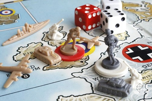 Axis & Allies & Zombies-3